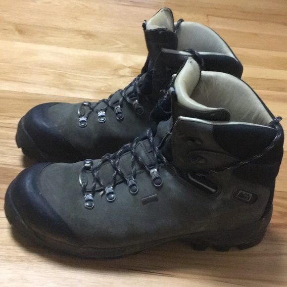 171cef91418 REI Hiking boots